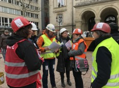 2018-03-08 Internationaler Frauentag Chantiers Place d'Armes Luxembourg AC (32) Signal