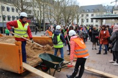 2018-03-08 Internationaler Frauentag Chantiers Place d'Armes Luxembourg AC (209) Signal