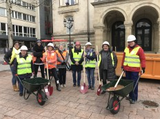 2018-03-08 Internationaler Frauentag Chantiers Place d'Armes Luxembourg AC (275) Signal